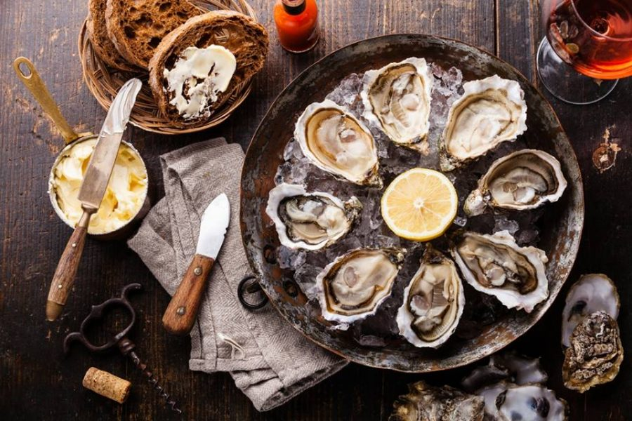 What to Expect When Ordering Raw Oysters for the First Time