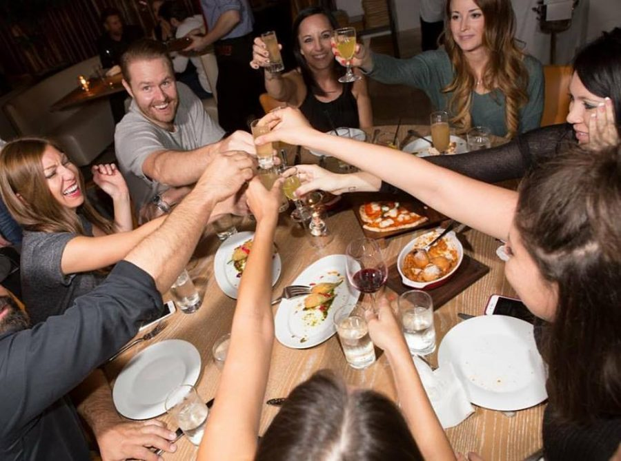 Hosting A Dinner Party tips for hosting a successful dinner party at a restaurant - salute